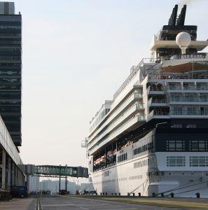 1068111_cruise_ship