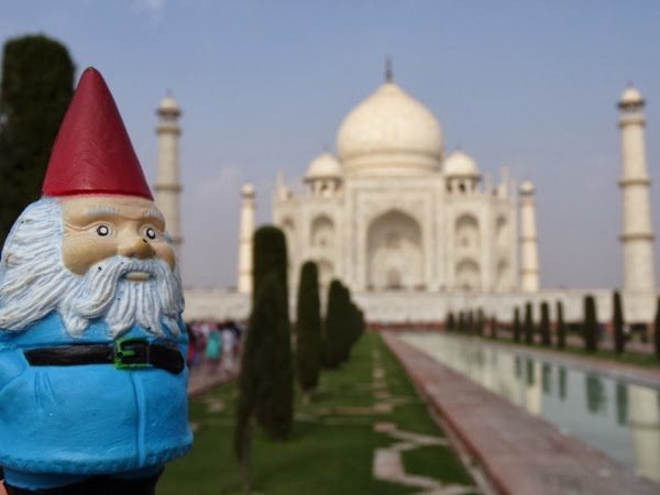 Felix the Roaming Gnome at the Taj Mahal