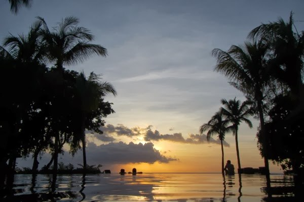 Sunsets at the Infinity Pool Hilton Mauritius