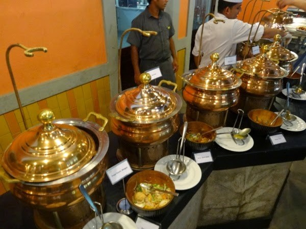 Gorgeous Sri Lankan Serving Dishes
