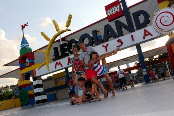 Morgans Go Travelling at Legoland Malaysia