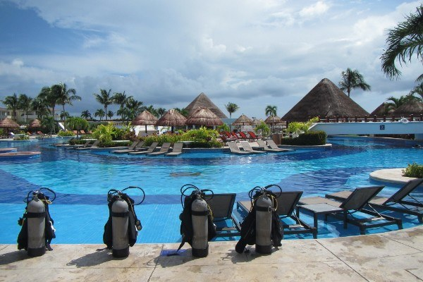 Where to Stay in Cancun? Make Sure it Has a Resort Pool