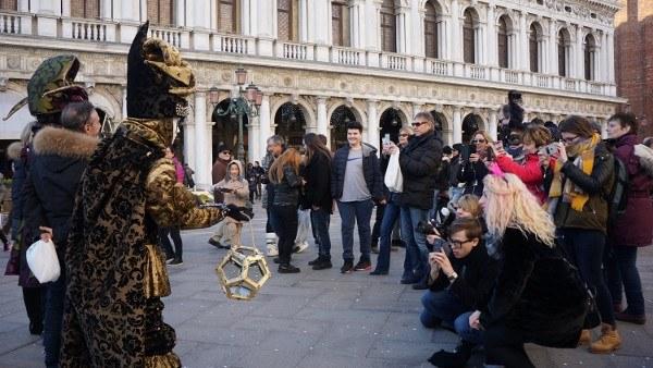 Carnival Hunters in Venice