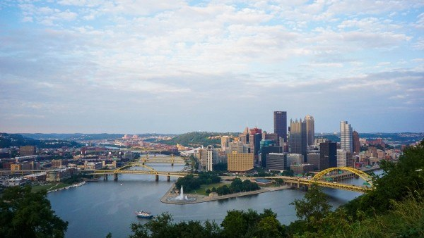 Pittsburgh's skyline with a Sony a6000 wide angle lens