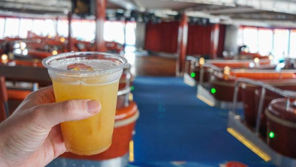Drinks at Spinnaker Lounge on the Norwegian Jewel