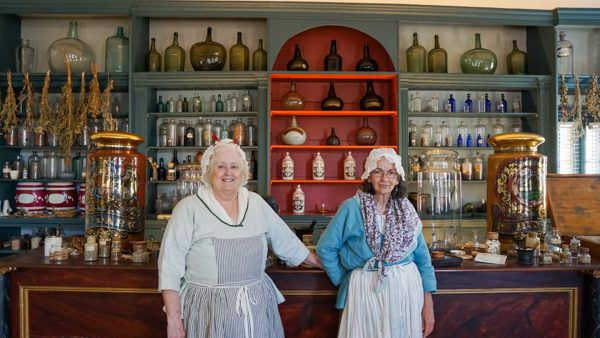 Nurses at Hugh Mercer Apothecary in Fredericksburg