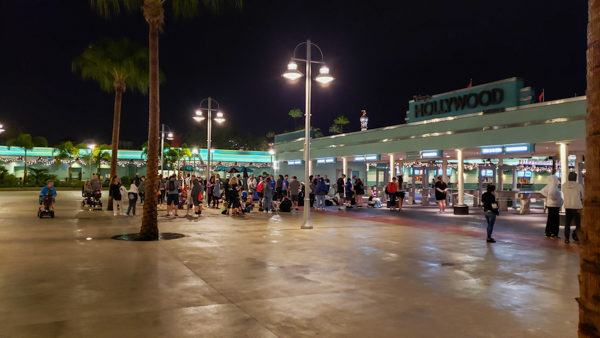 4:30 AM Lines for Star Wars Rise of the Resistance