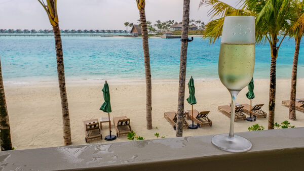 Welcome Champagne for Diamond Members at Hilton SAII Lagoon
