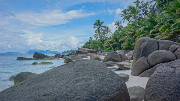 Boulders on Silhouette Island