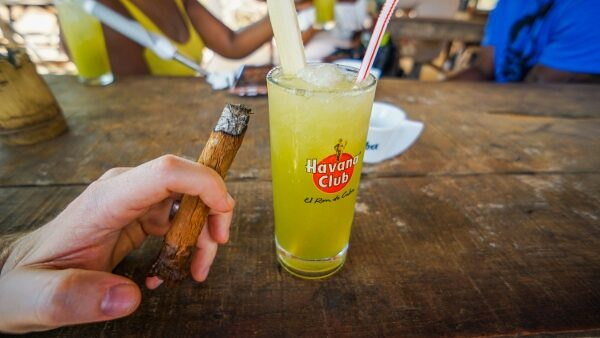 Cigar and Mojito in Cuba