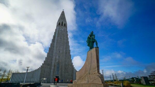 Leif Eriksson at Hallgrimskirkja